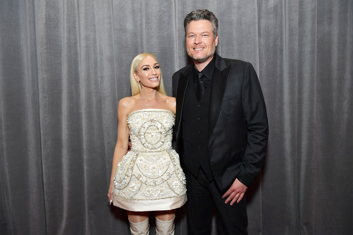 Blake Shelton and Gwen Stefani share first photos from intimate wedding